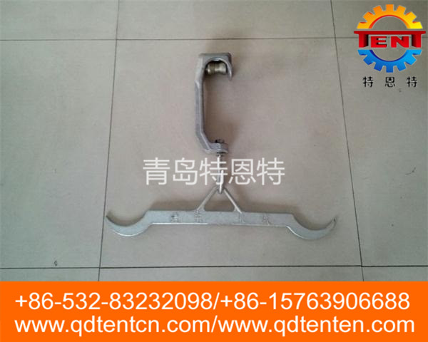 Pipe pulley fork